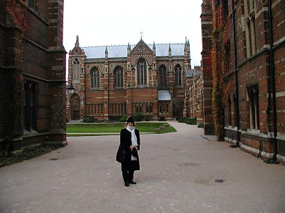 girl in the quad of Keeble College, Oxford