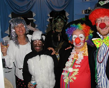 halloween costumes: glitter girl, skunk, medussa, clowns